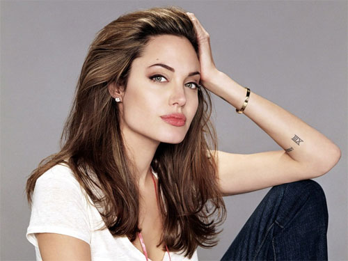 Анджелина Джоли сделала операцию рака груди