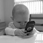 Ребёнок твитнет, когда надо поменять подгузник