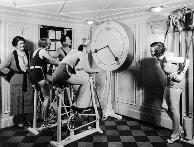 Тренажерный зал. 1920-е годы.