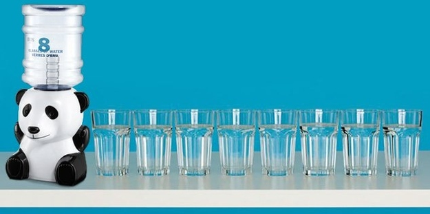 8 стаканов воды