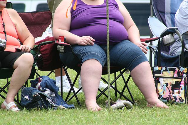 Ожирение приводит к потере слуха