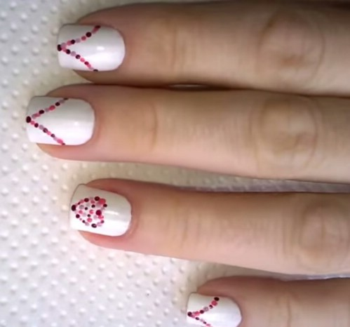 14-dotted-nail-art